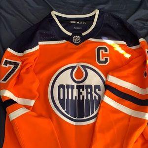 Connor McDavid jersey